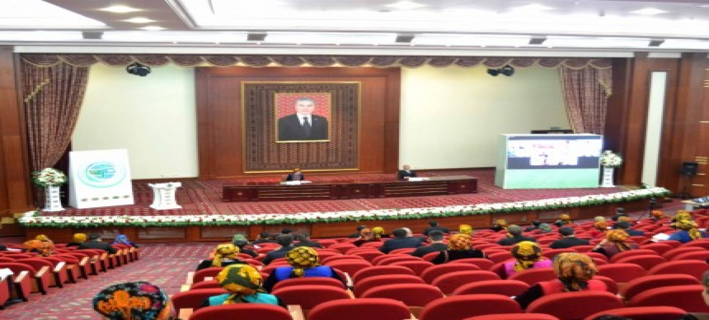 AT THE SESSION IN TURKMEN STATE UNIVERSITY NAMED AFTER MAGTYMGULY THE SIGNIFICANCE OF ECOLOGY IN TRADE-ECONOMIC COOPERATION WAS DISCUSSED
